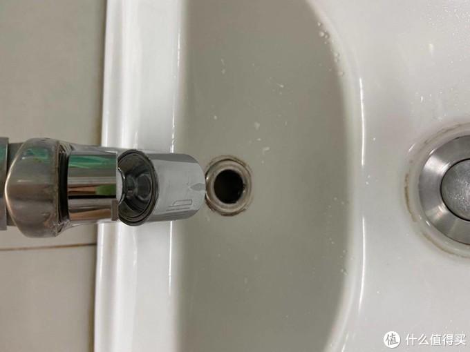 龙头上的用水精灵:大白双功能龙头水嘴起泡器