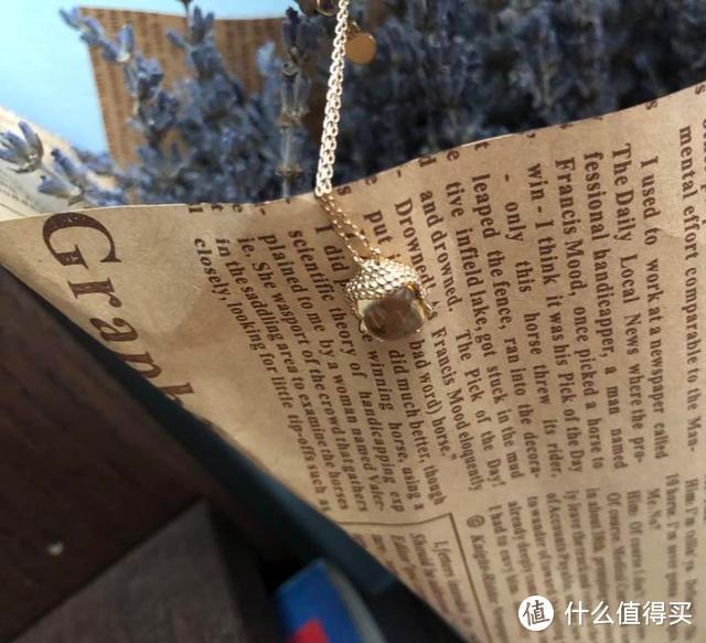 笑春风项链:无杂天然宝石,18K金纯手工打磨,传承时尚韵味