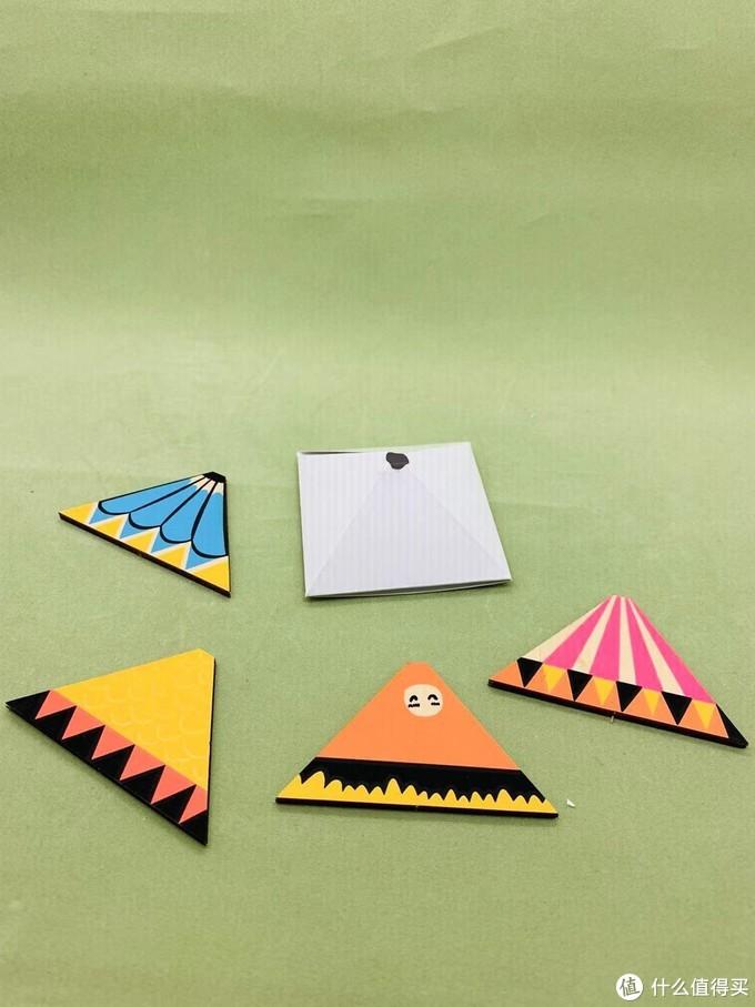 颜色款式都不一样的顶棚拼片