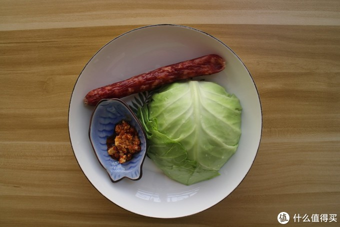 这菜3元2斤,加一根腊肠随手一炒就是下饭菜,特别适合上班族