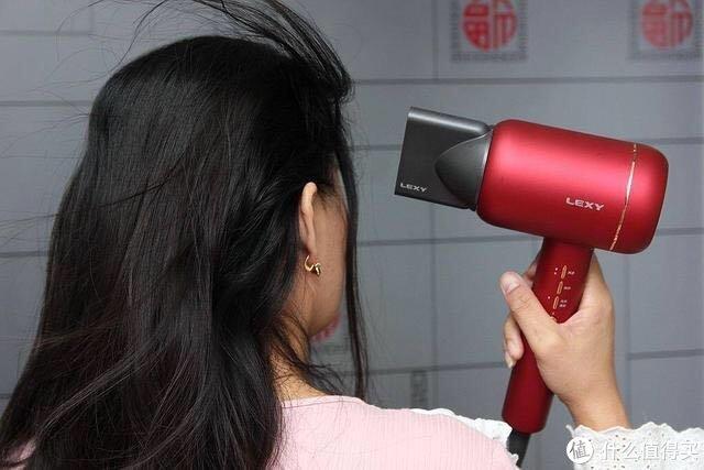 居家必备的吹风机也有大学问,莱克水离子吹风机体验