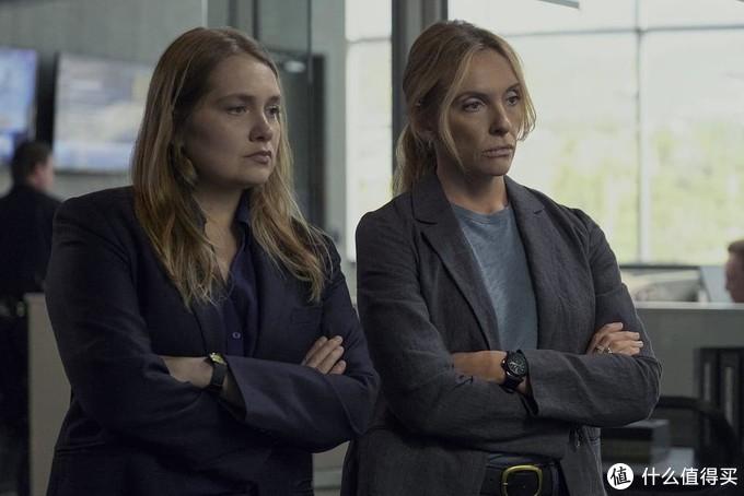 侦探格雷丝·拉斯马森 和卡伦·杜瓦尔在调查其他的多起强奸案的时候,发现了联系。他们互相交换了信息。使得整个案件有了新的进展。