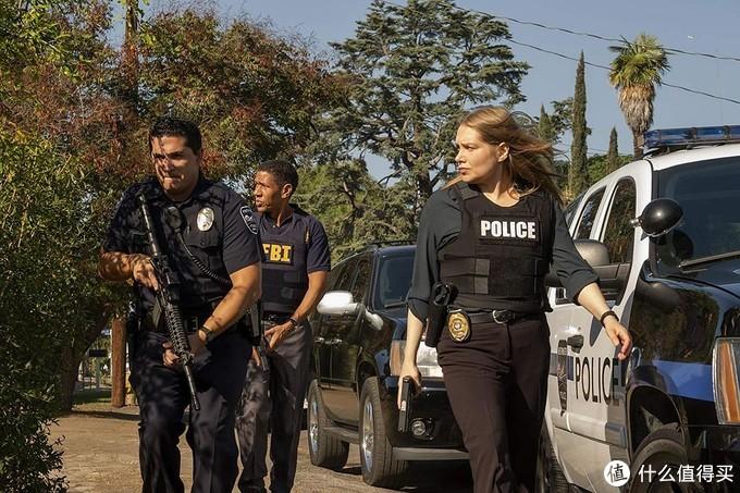 警察办案中。