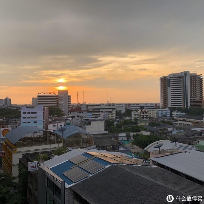 市区的日落