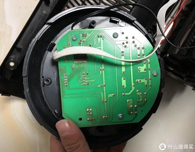 控制面板,芯片看不太清楚,比较简单的控制