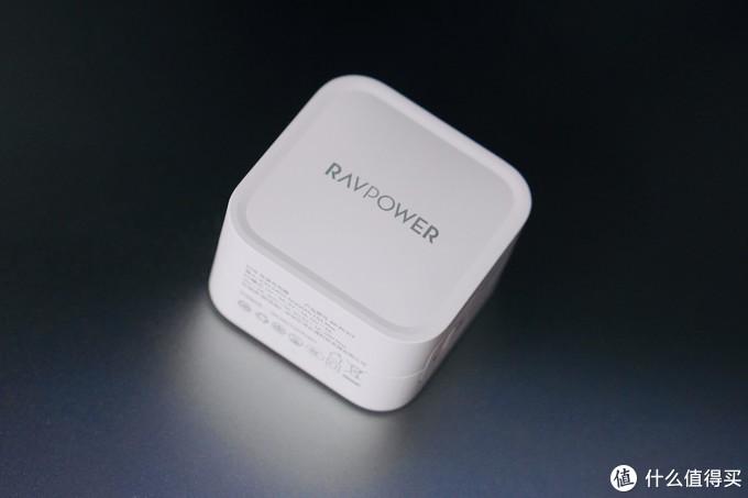 轻便小巧的「黑科技」—— RAVPower 61W 氮化镓充电器使用分享