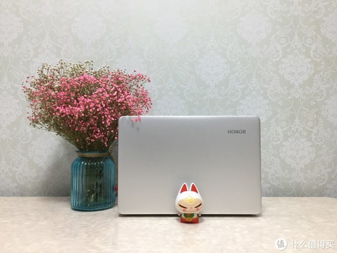 又一款性价比超高的笔记本,装个系统再省300!MagicBook 2019 科技尝鲜版开箱体验