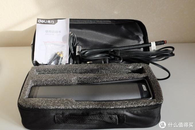 作为一个随车工具,便携包是很重要的,没有气味儿,内部隔层稳固,充气泵本体真是够大