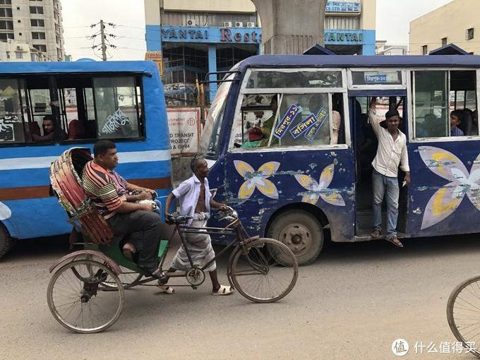 """上班族每天堵5小时,在交通炼狱中""""绝地求生""""   孟加拉国交通出行亲历&攻略"""