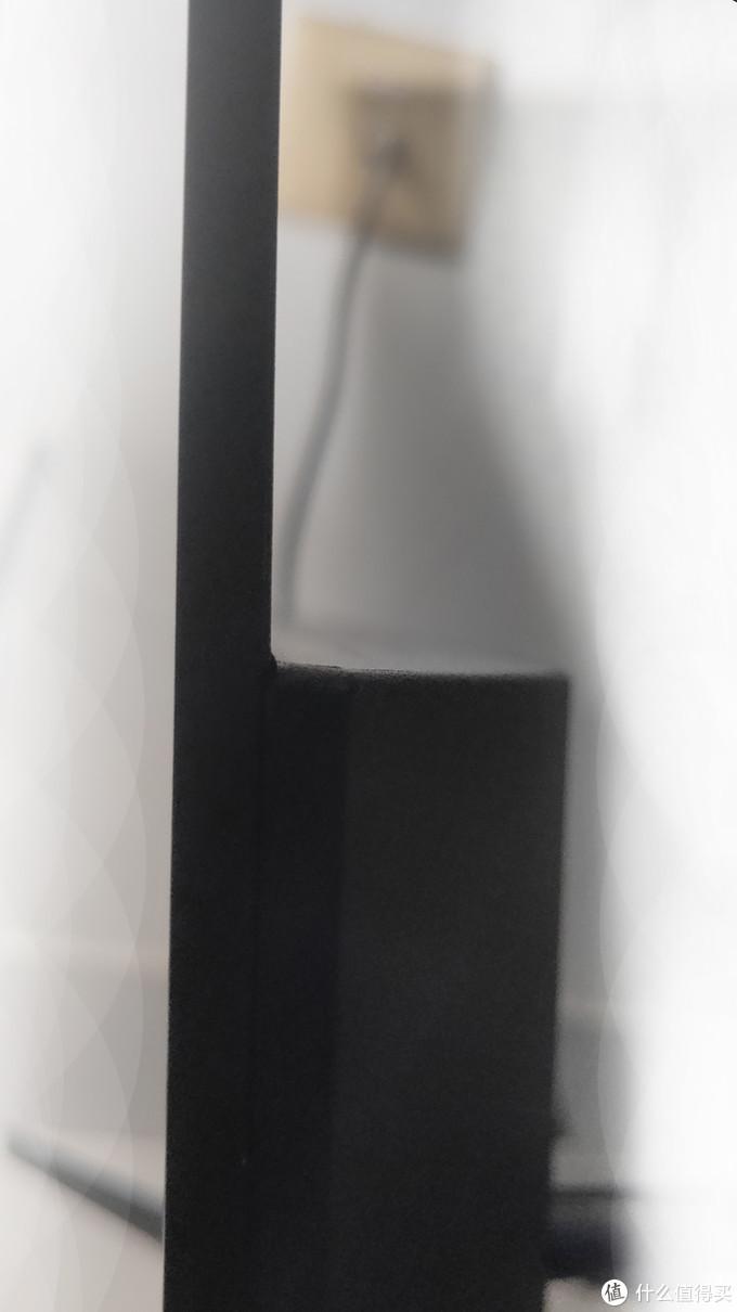侧面及其薄(不到5mm)