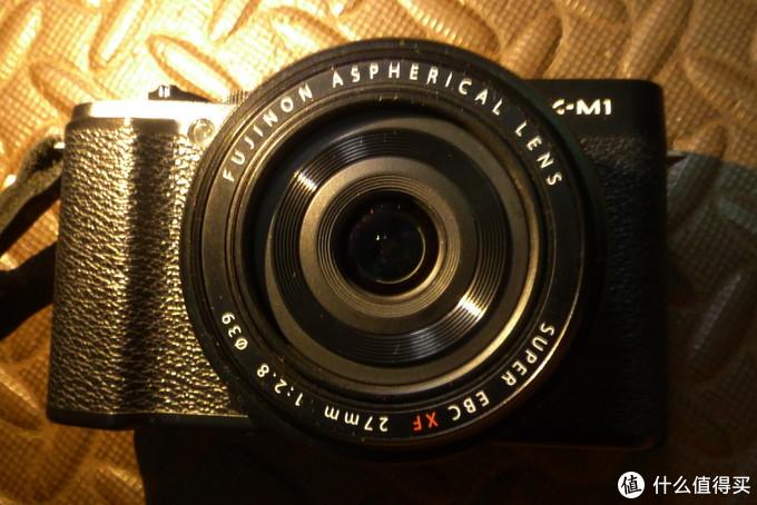 比较和谐的一套机身镜头搭配。等效41mm的视角,可以方便日常拍摄。