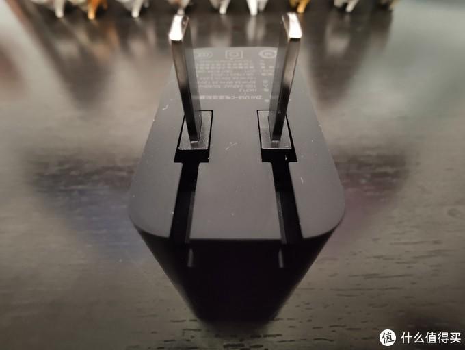 一头走天下----ZMI USB-C电源适配器65W充电头