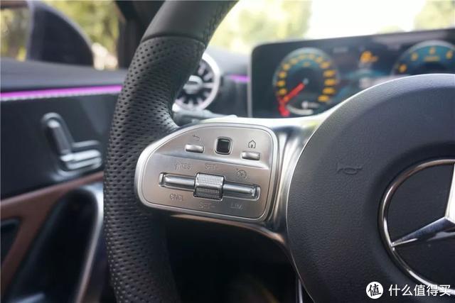 体验奔驰A200L:相比奥迪A3/宝马1系,它配得起自己的溢价么