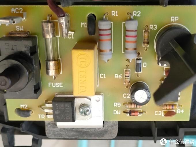 飞利浦(PHILIPS)吸尘器FC5833拆解后震惊了国人
