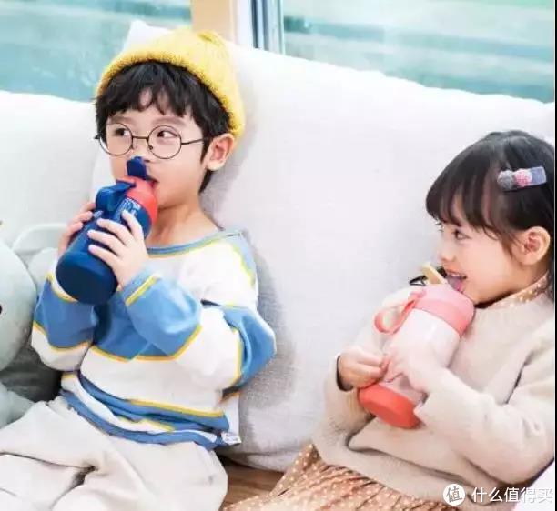 入秋必备!儿童保温杯该怎么选?严苛测评结果教你防「杯坑」