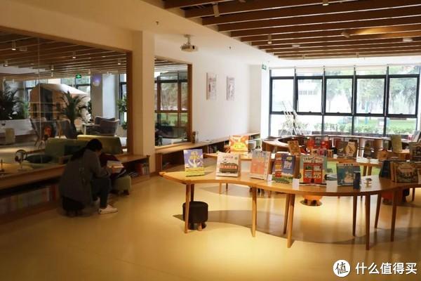 给自己一个心灵放松的机会,找一个午后来这几家书店来坐坐吧!