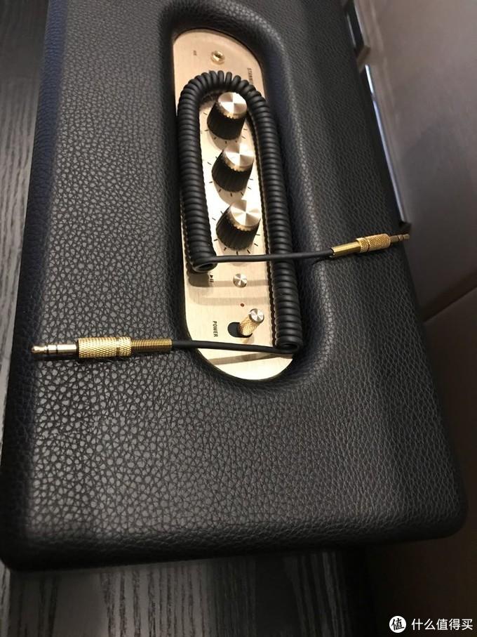 赠送的3.5mm音频线