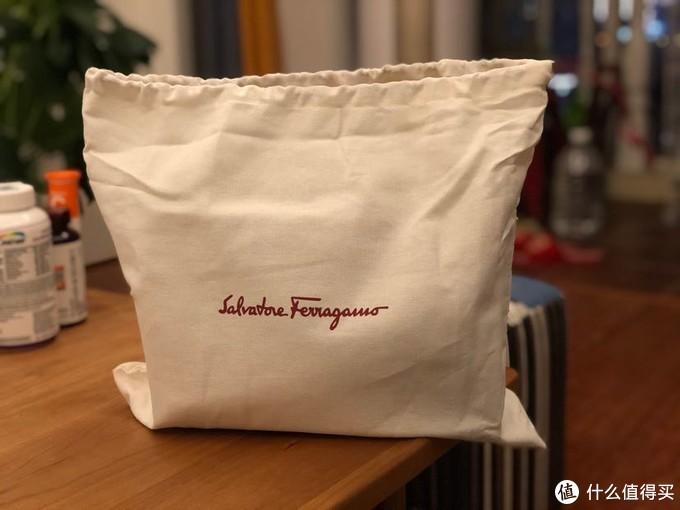 菲拉格慕专属棉质收纳袋,意大利产