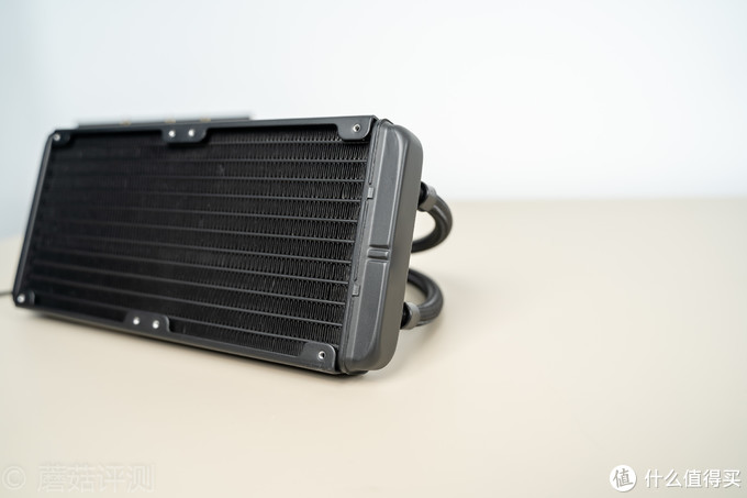 颜值、性能、功能性,我全都要!技嘉 AORUS LIQUID COOLER 240水冷散热器评测
