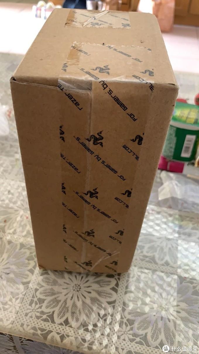 拿回来的时候就是一个很小只盒子