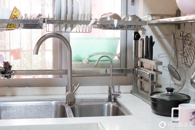 方便无桶设计,大通量净水不等待:高性价比 华凌RO反渗透净水器