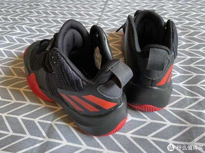 adidas Explosive Flash儿童篮球鞋