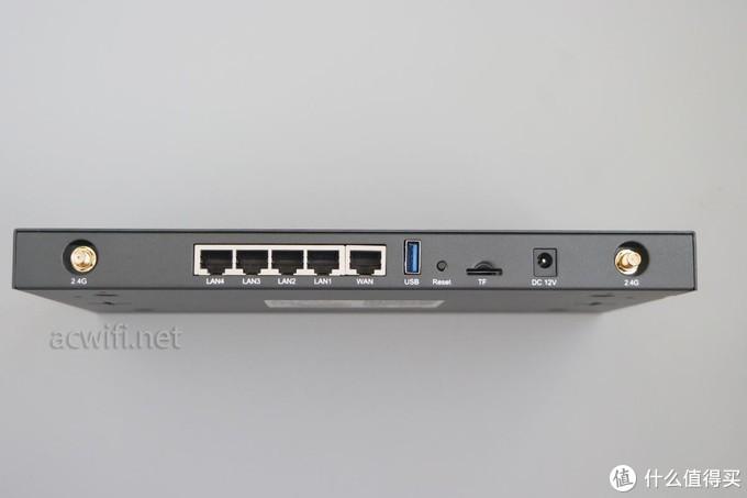 电源输出功率12V/2A,好评。带USB3的无线路由器电源功率不能太低。4个LAN口,1个WAN口,1个USB3.0口,还有一个TF卡接口。