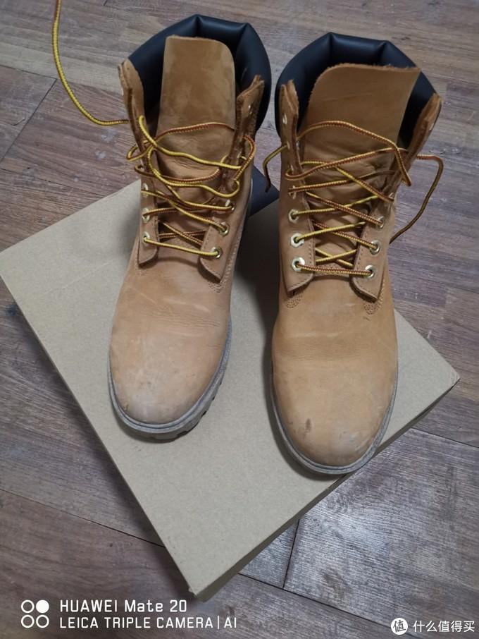 54的瑕疵版京东大黄靴你会买吗?