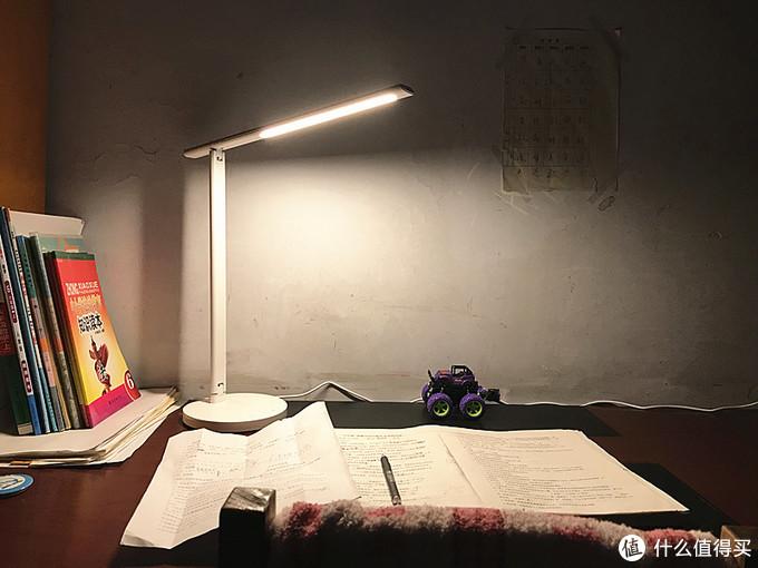 读书、阅卷,360台灯1S伴我行……