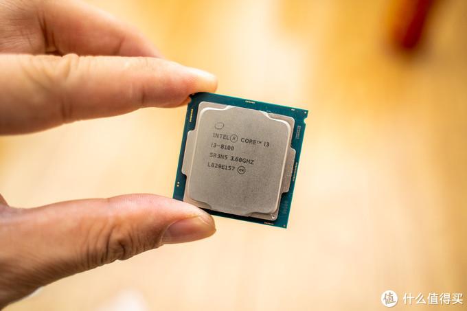组装一台巴掌大小的Mini-STX小电脑,i3-8100处理器!当作垃圾佬的主力机!