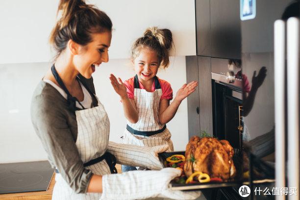 【蒸烤箱容量篇】多大容量的蒸烤箱才够一家人使用?关于容量的误区你又踩了几个?
