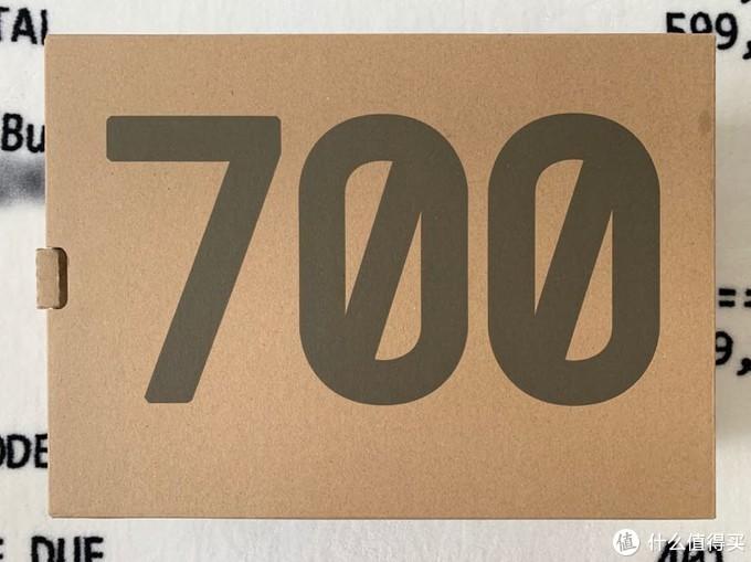 Yeezy boost 700 v2黑魂开箱 对比一代版本