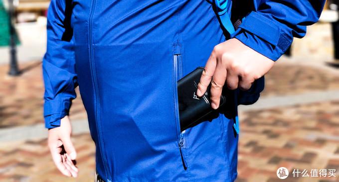 轻量贴身、极度防水、一衣多用——FREE SOLDIER/自由兵猎隼战术单冲测评