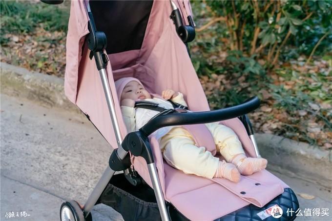 易折好收,坚固多能——QBORN秒秒收婴儿推车开箱