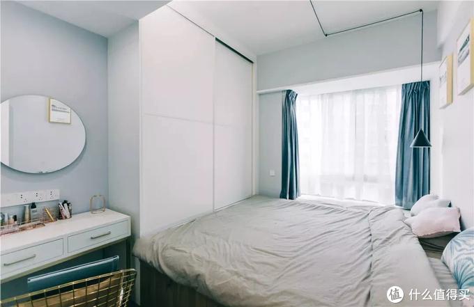 小卧室,衣柜怎么摆放?