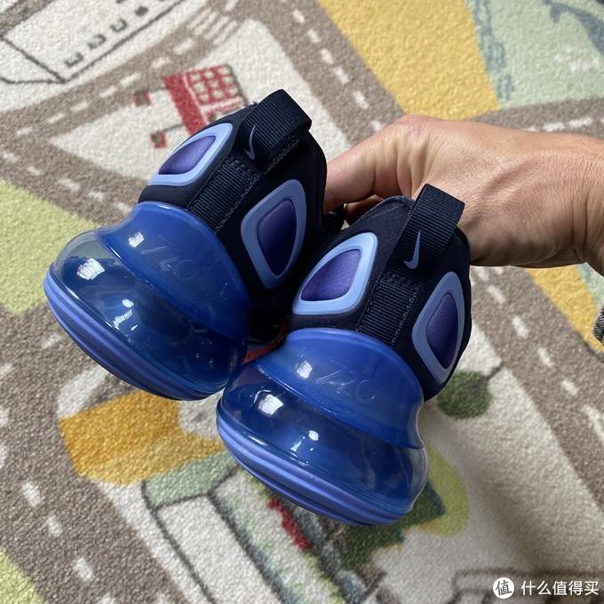 气垫的又一创新Nike Air Max 720