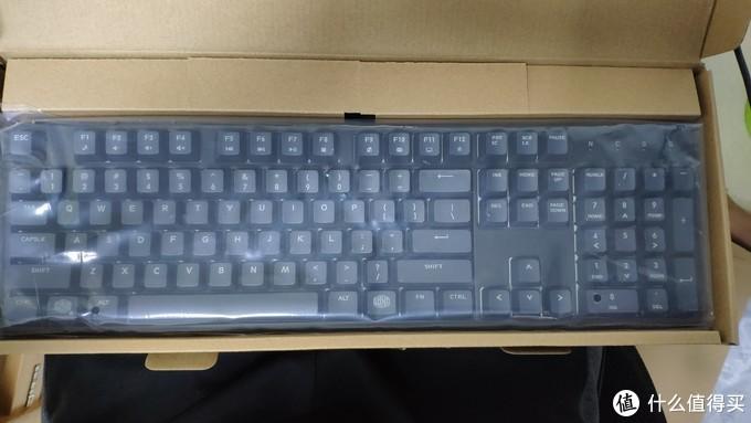 酷冷至尊樱桃红轴机械键盘CK370开箱晒图