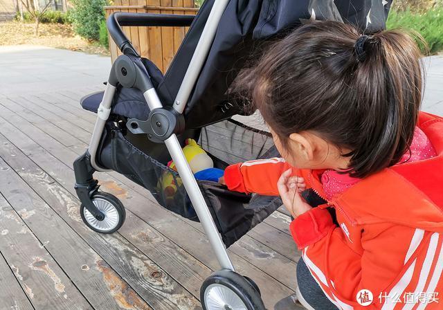 小米生态链上新车,可视天窗和超大敞篷,自动秒收车,宝宝专用