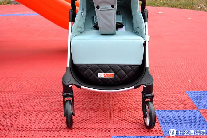 新手奶爸的溜娃神器,一键式折叠婴儿车,是不是很溜?