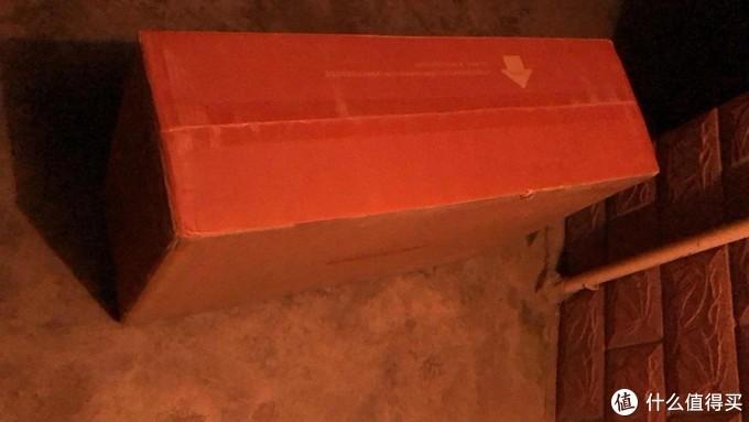 多大的一个箱子,估计30斤重