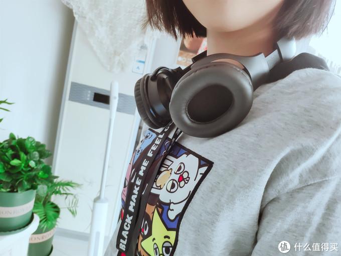 享受属于自己的音乐世界,HF004头戴脖挂音响2合1蓝牙耳机体验