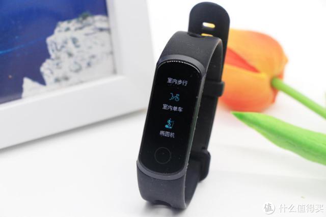 USB随充,血氧加持:荣耀5i手环体验!