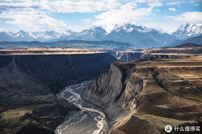 自驾穿越天山地理走廊 半废弃国防公路新疆S101全程游记
