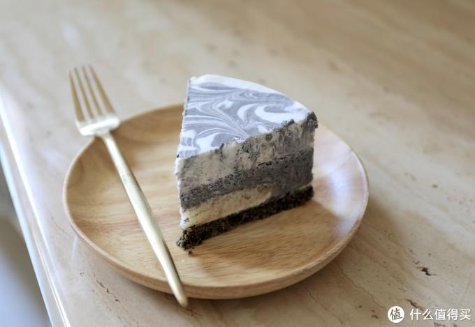 【视频】原来大理石纹是这样画出的 免烤黑芝麻慕斯蛋糕
