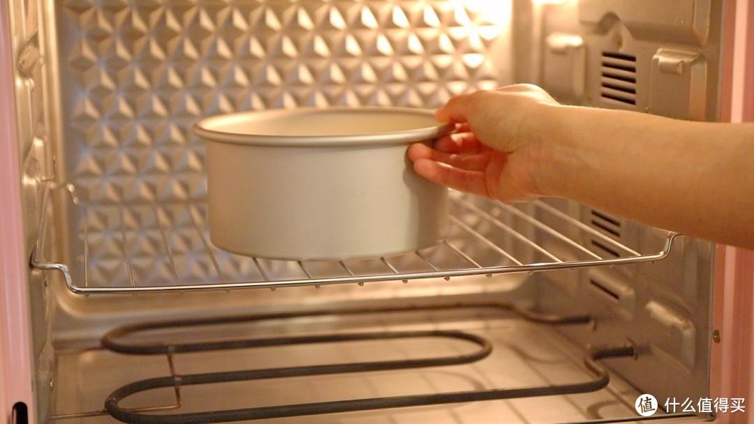【视频】红豆抹茶奶油蛋糕~一个调色板蛋糕?