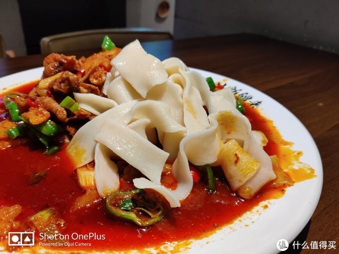 新疆大盘鸡,是吃不惯还是不正宗?
