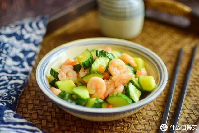 黄瓜别再凉拌了,这个做法既能减肥又能过嘴瘾,蔬菜海鲜两不误