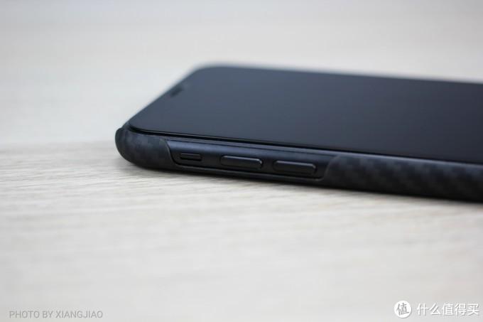 我的iPhoneXR终于用上了凯夫拉,PITAKA凯夫拉手机壳上手体验