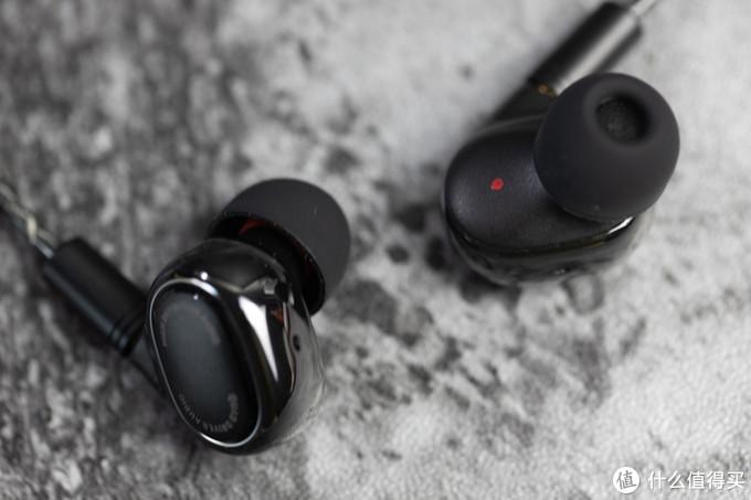 开箱速评年轻人的第一条发烧耳机:小米圈铁四单元耳机