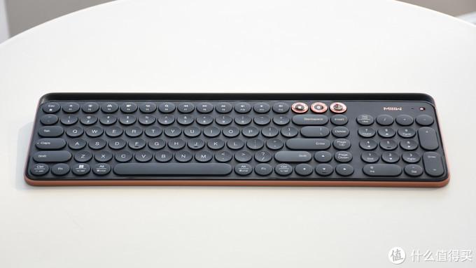 如何凭借一把键盘游走桌面?米物蓝牙双模键盘